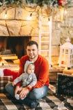 Hijo de la Navidad del padre foto de archivo libre de regalías