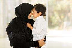 Hijo de Oriente Medio de la mujer Imágenes de archivo libres de regalías