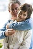 Hijo y papá cariñosos Fotografía de archivo libre de regalías