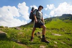 Hike nas montanhas foto de stock