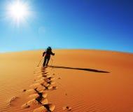 Hike no deserto imagem de stock