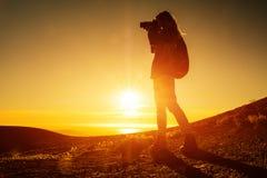Hiker женщины с рюкзаком Стоковое фото RF