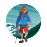Hiker идя через гору Trekking, пеший туризм, взбираясь, Стоковая Фотография