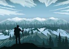 Hiker наслаждаясь ландшафтом с горами, лесом и небом пики гор горы caucasus dombay бесплатная иллюстрация