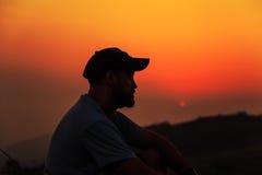 Hiker на верхней части горы Стоковое Изображение RF