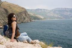 hiker над морем Стоковые Изображения RF