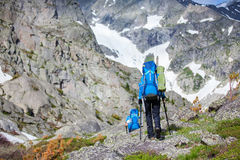 Hiker in Altai mountains, Russian Federation Royalty Free Stock Photos
