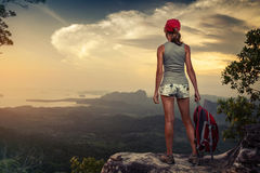 Hiker on the cliff Royalty Free Stock Photography