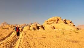 Hiker in desert Royalty Free Stock Photos