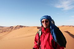 Hiker in desert Royalty Free Stock Images