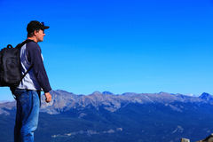 Hiker on mountain range Royalty Free Stock Photography