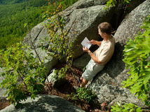 Hiker overlooking Shenandoah valley Royalty Free Stock Photos
