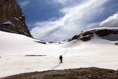 Hiker on snow plateau Stock Photography