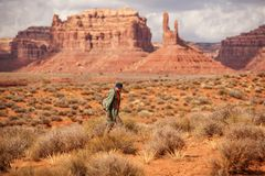 Hiker in Valley of Gods, USA royalty free stock photos