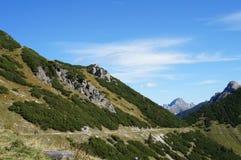 Hikers в горах Tannheim Стоковое фото RF