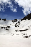 Hikers в снежных горах Стоковые Фото