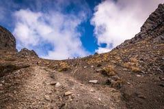 Hikers на верхней горе Стоковая Фотография RF