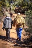 Hikers на следе Стоковое Изображение RF