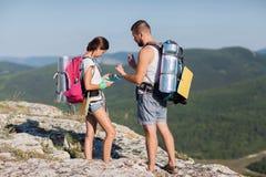Hikers с рюкзаками Стоковые Изображения RF