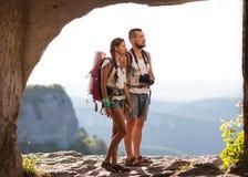 Hikers с рюкзаками Стоковые Фотографии RF