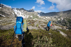 Hikers in Altai mountains Royalty Free Stock Photography
