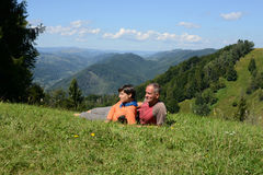 Hikers couple a mountain pass Royalty Free Stock Image