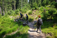 Hikers on the mountain trail Royalty Free Stock Photography