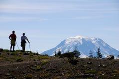 hikers mt adams стоковое фото rf