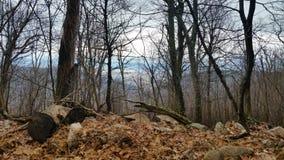 hiking верхние части камней путя горы красные белые стоковая фотография rf