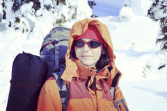 hiking волшебная древесина зимы краткости остальных Стоковое Изображение