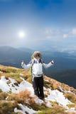 hiking детеныши женщины гор Стоковая Фотография