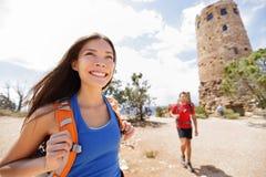 Hiking женщина в гранд-каньоне Стоковое Изображение