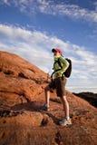 hiking женщина стопов Стоковые Изображения