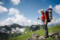 hiking женщина Стоковая Фотография