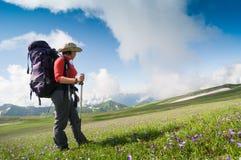 Hiking женщины Стоковые Изображения