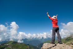 Hiking женщины Стоковое Изображение RF