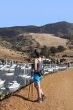 Hiking женщины Стоковые Фото