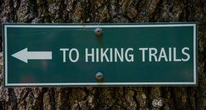 hiking знак Стоковые Изображения RF