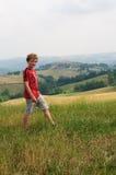 hiking мальчика Стоковое Изображение