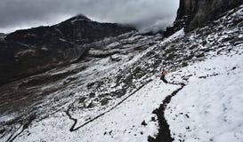 hiking путь снежка стоковое фото rf