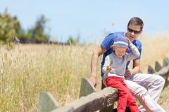 Hiking семьи Стоковые Изображения