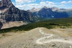 hiking тропка горы Стоковые Изображения