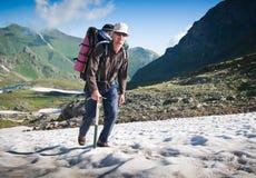 hiking человек Стоковые Фотографии RF