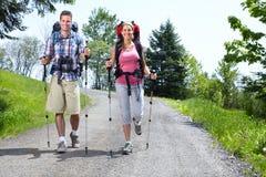 Hiking люди Стоковые Изображения