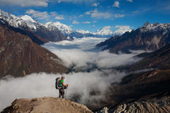Hiking in Himalaya mountains Royalty Free Stock Photography