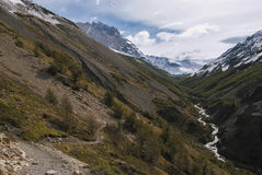 Hiking through mountain pass to camp Chileno, torres del Paine Royalty Free Stock Photos