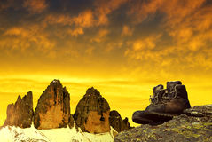 Hiking shoes on the rock Royalty Free Stock Photography