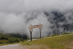 Hiking trail. In the Alps on a cloudy day Royalty Free Stock Photos