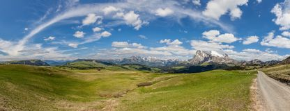 Hiking trail on the Alpe di Siusi Royalty Free Stock Images