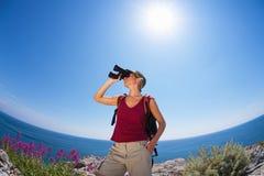 hiking woman στοκ εικόνα με δικαίωμα ελεύθερης χρήσης